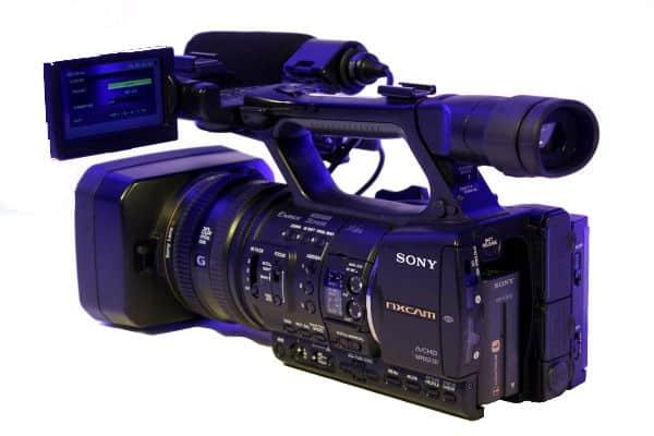 Videokamera Sony von links hinten